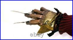 Guanto Freddy Krueger Nightmare on Elm street Prop Replica Glove 11 by Neca